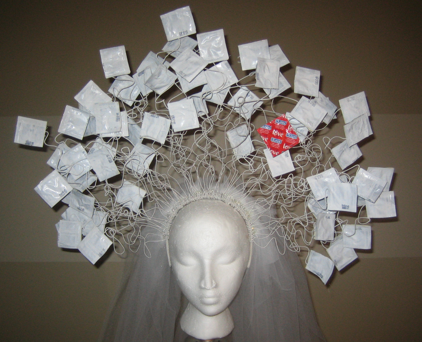 how to make a condom headdress